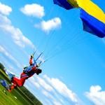 Как можно разнообразить простые прыжки с парашютом?
